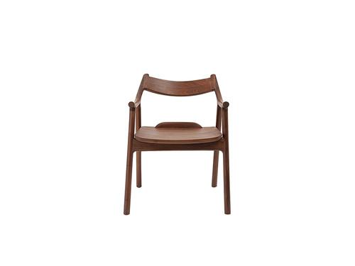 卜落-扶手椅