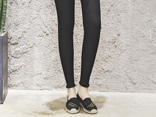 JURASSIC WORLD by J&M 女士麻底帆布休闲鞋 01737W  黑色