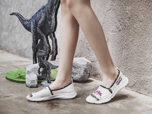 J&M ELASTICITY x 侏罗纪合作系列女士弹性休闲运动鞋 78150W